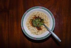lagade mat ögonblickliga nudlar Royaltyfri Fotografi
