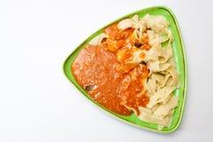 Lagade mat nudlar med bolognese sås Fotografering för Bildbyråer