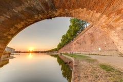 LaGaronne bortgång till och med Toulouse, Frankrike Arkivbild