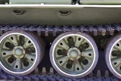 Lagartas do tanque soviético foto de stock