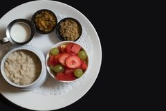 Lagat mat frukostmål för land hem Arkivbild