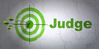 Lagbegrepp: mål och domare på väggbakgrund Royaltyfri Fotografi