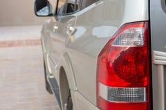 Lage die engel van beige Mitsubishi Pajero wordt geschoten royalty-vrije stock afbeeldingen