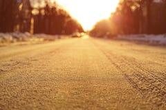 Lage foto van lege weg in stad Stock Afbeelding