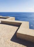 Lage steenmuur met zeegezicht in Akropolis van Lindo Royalty-vrije Stock Afbeeldingen
