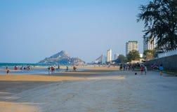 Lage vroege avondzon op Hua Hin-strand Stock Afbeeldingen