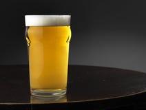 Lagegr und Bier Lizenzfreie Stockbilder