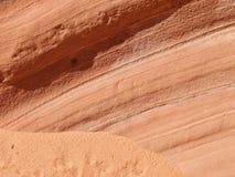 Lagen op een rood zandsteenklip Stock Afbeelding