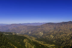 Lager av berg i Garhwal det Himalayan området Royaltyfri Bild