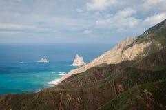 Lager av den vulcanic kusten Royaltyfria Bilder