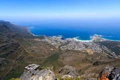 Lager Bucht- und Clifton-Panoramablick vom Tafelberg Stockfotografie