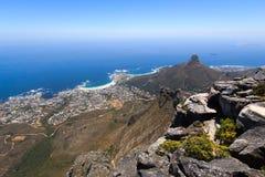 Lager-Buchtpanorama vom Tafelberg Stockbilder