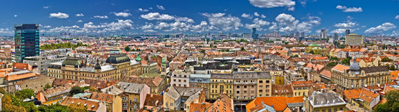 Lager de stads kleurrijk panorama van Zagreb Royalty-vrije Stock Fotografie