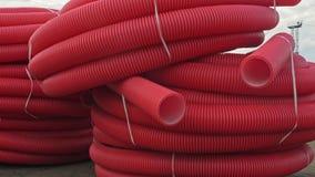 Lager des industriellen Freienlagerstandorts der fertigen Kunststoffrohre Fertigung der Plastikwasserleitungsfabrik stock footage