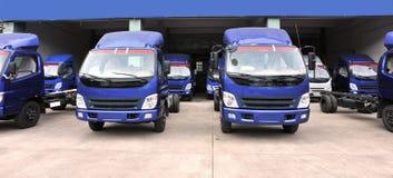 lager för ljusa lastbilar Arkivbilder