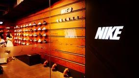 Lager för Nike sportskor royaltyfri fotografi