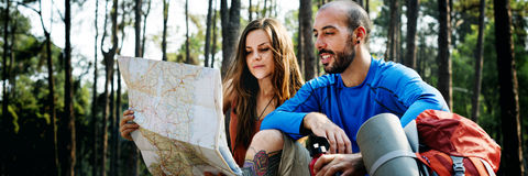 Lager-Forest Adventure Travel Remote Relax-Konzept lizenzfreie stockfotografie