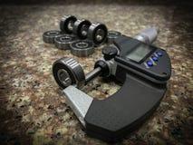 Lager och mikrometer Arkivfoton