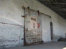 Lager-Tür mit Seilrolle Lizenzfreies Stockfoto