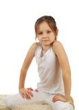 Lagerföra bilden av den lyckliga flickan som isoleras på vit Arkivfoto