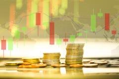 Lagerföra investeringen för det guld- myntet för forexhandeln - diagram för affärsgraf av finansiell brädeskärm lagerför framtida fotografering för bildbyråer