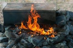 Lagerfeuerkochen Stockfotos