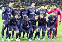 Laget för FC Paris Saint-Germain poserar för ett gruppfoto Arkivfoton