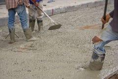 Laget på cementera däckar. Fotografering för Bildbyråer