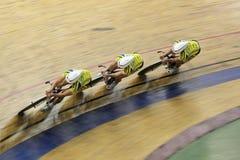 Laget sprintar - spåra att cykla Royaltyfri Foto