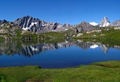 Laghi 1, alpi europee Fenetre Fotografie Stock Libere da Diritti