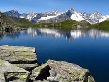 Laghi 6, alpi europee Fenetre fotografie stock