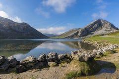 Laghi di Covadonga fotografie stock libere da diritti
