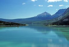 Laghi e montagne alpini Fotografie Stock Libere da Diritti