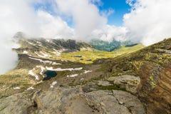 Laghi idilliaci blu ad elevata altitudine nelle alpi Fotografia Stock Libera da Diritti