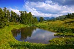 Laghi in montagne di Altai Immagini Stock Libere da Diritti
