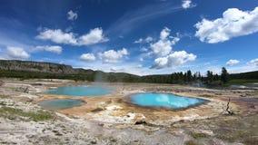 Laghi termici in Yellowstone, U.S.A. stock footage