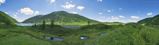 Laghi Ulagan Montagne di Altai, Siberia La Russia Immagini Stock Libere da Diritti