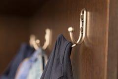 Lagkrok i garderoben Arkivfoton