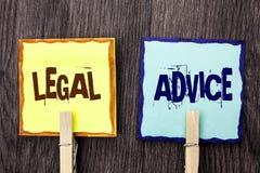 Laglig rådgivning för ordhandstiltext Affärsidé för rekommendationer som ges av advokaten eller sakkunnigt skriftligt för lagkons royaltyfri foto
