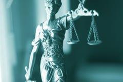 Laglig staty Themis för lagkontor Fotografering för Bildbyråer