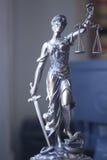 Laglig staty Themis för lagkontor Royaltyfria Foton