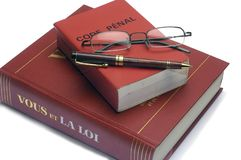 Lagliga böcker och den franska straff- koden Royaltyfria Bilder