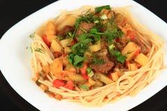 Lagman är en central asiatisk nationell maträtt Royaltyfri Foto