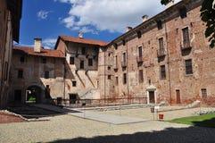 Lagnasco średniowieczny kasztel, Piemonte, Włochy Obrazy Royalty Free