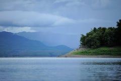Lago. Imágenes de archivo libres de regalías