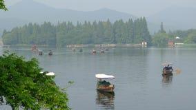 Lago ad ovest con le barche di estate Fotografia Stock Libera da Diritti