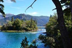 Lago al parco nazionale di Los Alerces, Esquel, Argentina Immagine Stock