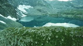 Lago Alla-Askir mountain Valle de Yeshto Paisaje de Altai metrajes