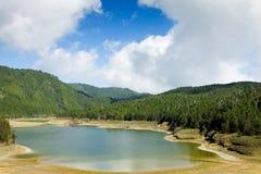 Lago alpestre Fotos de archivo libres de regalías