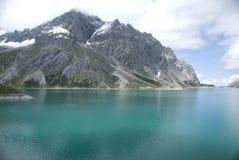 Lago alpestre turquoise foto de archivo